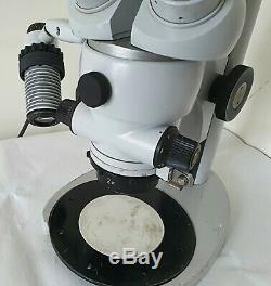 Carl Zeiss Stereo Microscope range 1- 4 zoom. Light source bulb is missing
