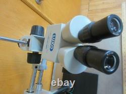 LUXO BINOCULAR STEREO MICROSCOPE HEAD With 2 LUXO WF10X EYE PIECES 10 x 10 BASE