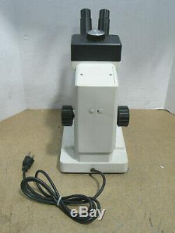 Leica Zoom 2000 Binocular Stereo Microscope Z45 L 10.5X-45X Magnification
