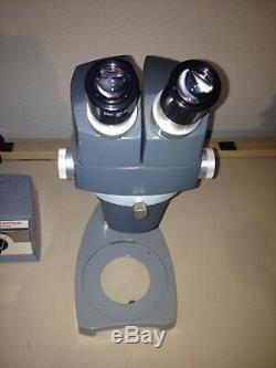 REICHERT 569 Stereo Star Zoom Microscope 0.7x-3.0x + Illuminator, Eyepieces ++