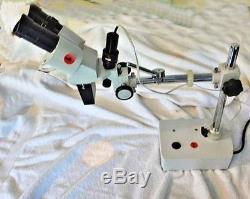 USED BINOCULAR 1X STEREO MICROSCOPE WithBOOM ARM TABLE MOUNTABLE WithCOLLIMATOR LIGH