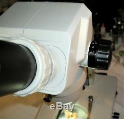 Wesco WS7 Stereo Zoom 0.65X- 4.5X Mag. Range built-in Top & Bottom light, WF10X