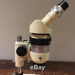 Wild Heerbrugg M7 98920 Stereo Microscope up to 31x with 10x Eyepieces Binocular
